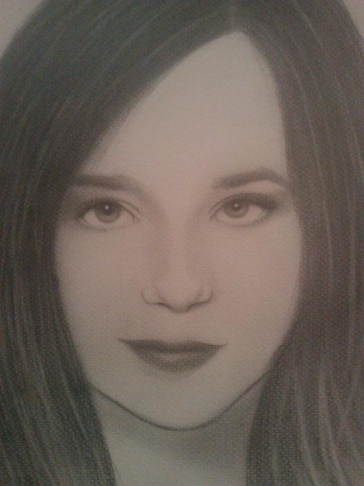 Ellen Page by Layla60s